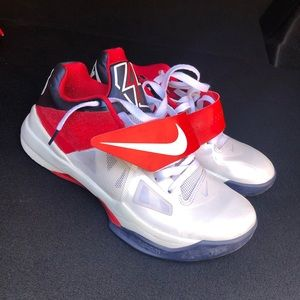 Kevin Durant shoes.